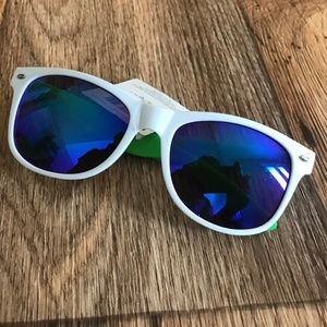 Mens Sunglasses White/Green FWG Women Plastic Fram
